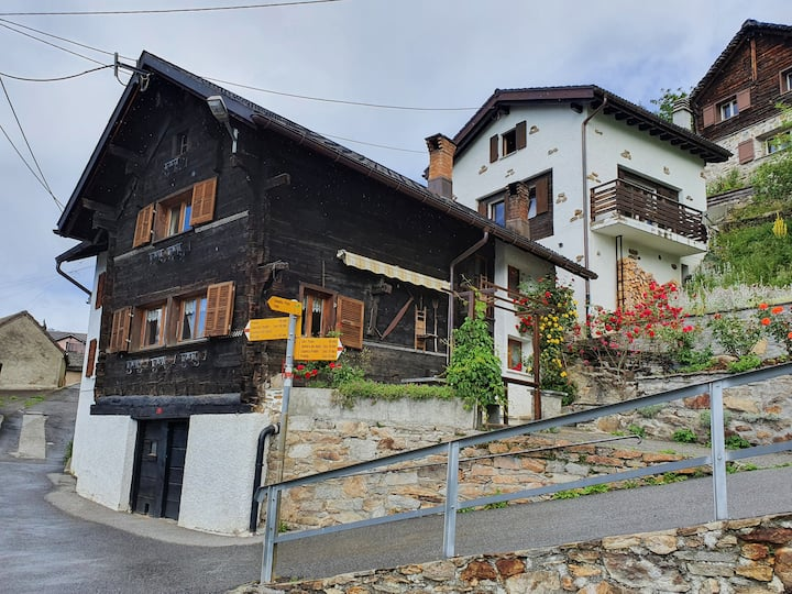 Casa Carletto, Typical old house of the Leventina