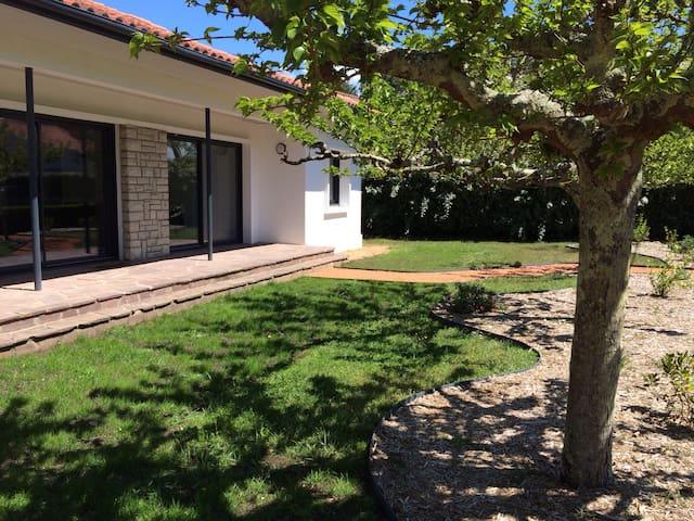 Villa 10 pers Vieux Boucau les bains/plage à 800m - Vieux-Boucau-les-Bains - วิลล่า