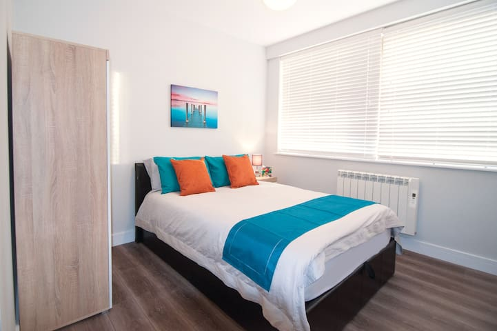 Luxury 2Bed 2Bath Apartment, 1MIN Barnet station - New Barnet - Apartmen