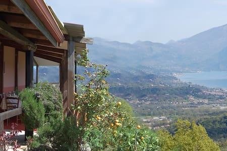 IL RIFUGIO TRA MARE E MONTI - San Giovanni a Piro - ที่พักพร้อมอาหารเช้า