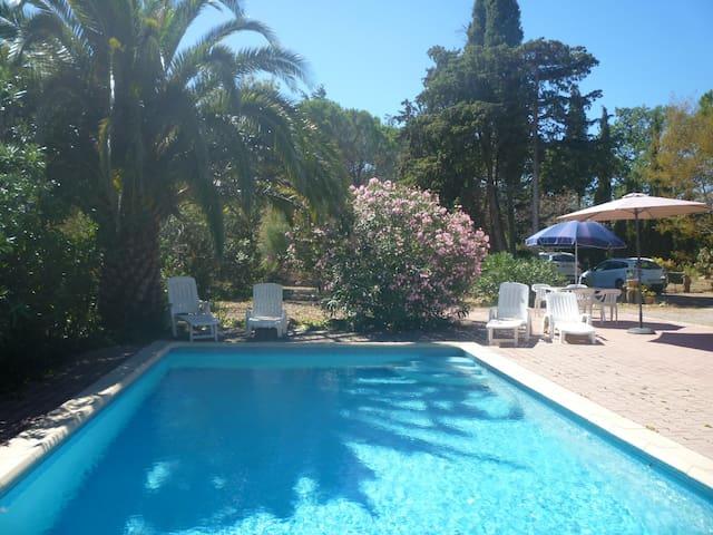 Gite au calme entre mer et montagne – avec piscine - Saint-Féliu-d'Avall - Wohnung