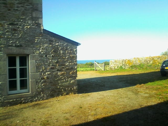 Grande maison avec vue sur mer