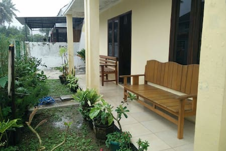 Vero Guest House II [Tropical Suite in Pacitan]