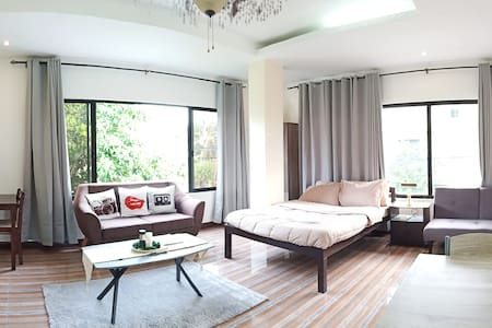 Suite Room for 2 (Aida & Jess Manor Apartments)