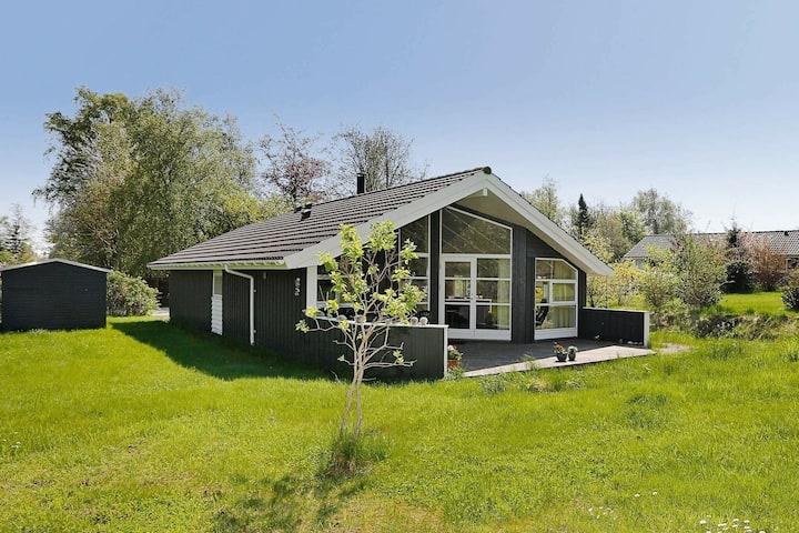 Modernes Ferienhaus mit Sauna in Gilleleje