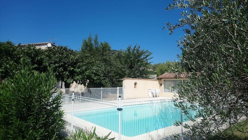 Villa piscine sud cevennes