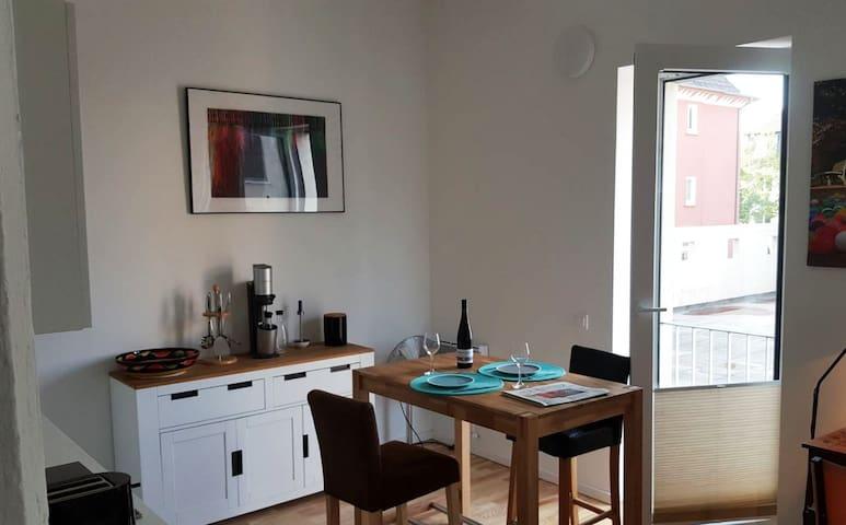 Wohnzimmer/Küche  Living/Kitchen