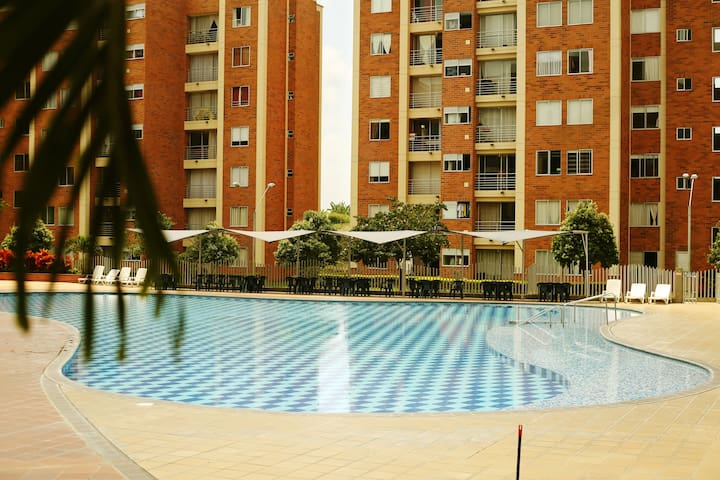 Apartment in closed comm. with pool and parkink - Pereira - Daire