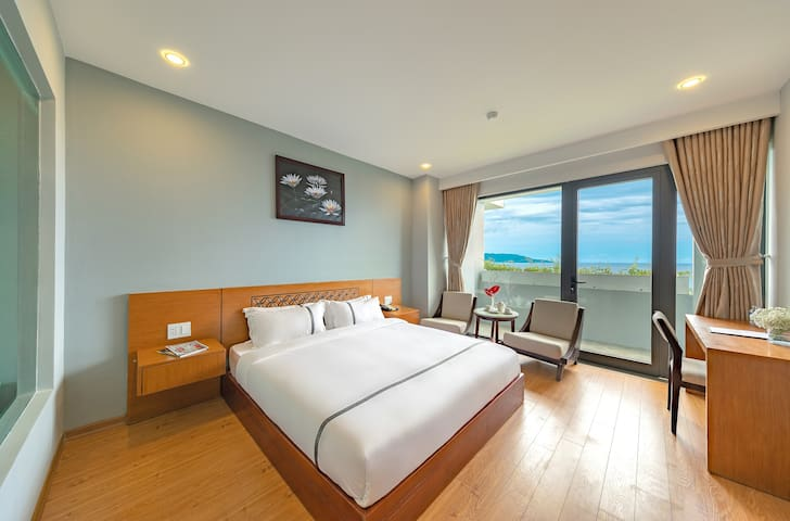 Ocean Bliss double room-Steps away from the beach