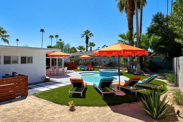 Atomic Sunrise - Ultimate Palm Springs living