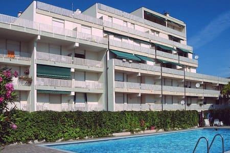 Residence Punta dell'Est A- Studio mit Schwimmbad - Lignano Sabbiadoro