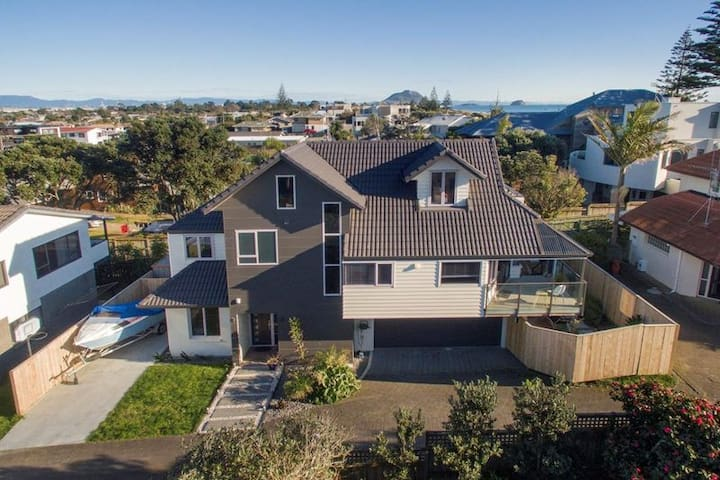 Large Modern Family Beach House - Tauranga - Dům