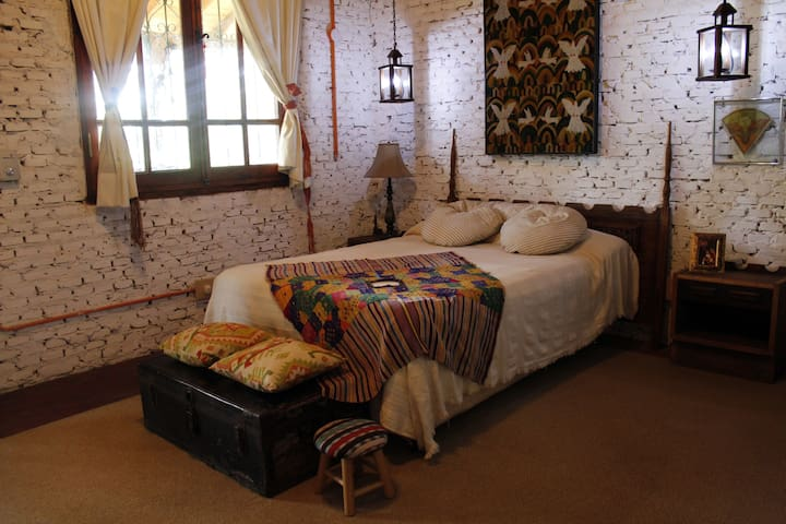 Takuapú Cultural Home, Aregua city - Aregua