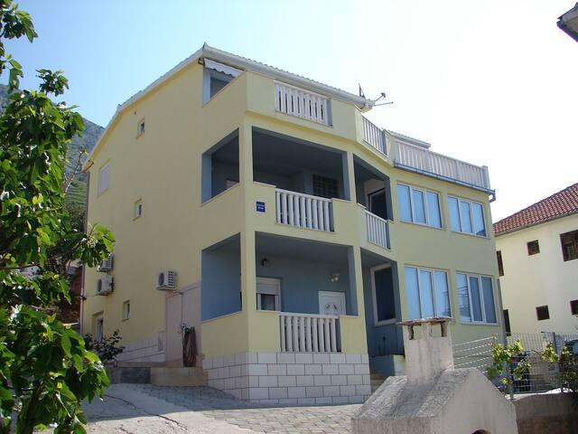 Studio apartment VP SA2(2) Stanici, Riviera Omis