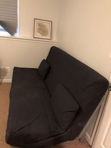 Full size futon sofa/bed