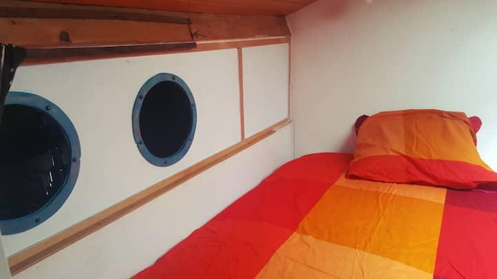 Petite chambre sous les toits pour 1 ou 2 nuits