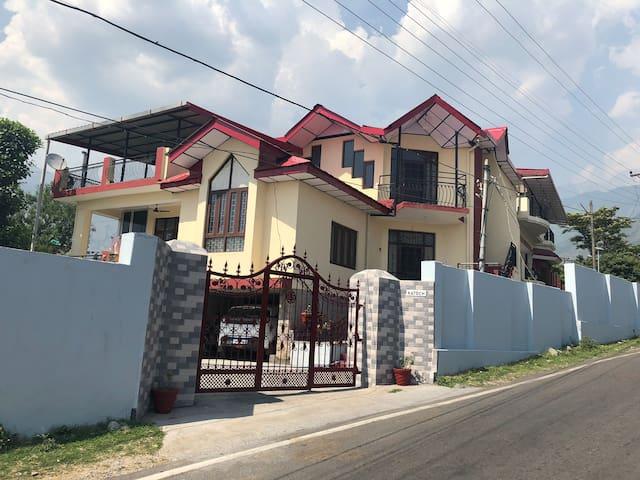 Katoch House - single room