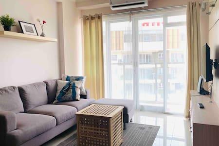 Homey 2 BR Gateaway Pasteur Apartement  -FREEWIFI-