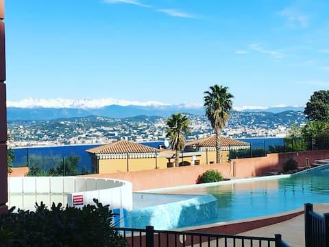 2 pièces, Théoule-sur-Mer, piscine, restaurant.