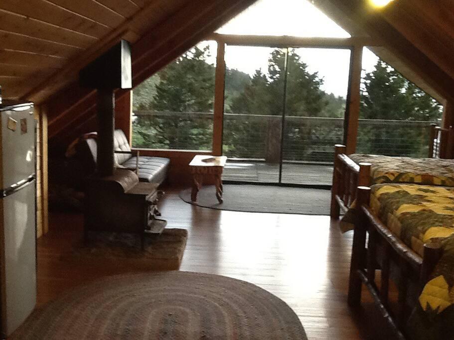 1 room cozy cabin