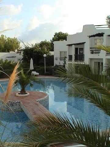 Apartamento Santa Eulalia, Ibiza (30Ag-6 sept)