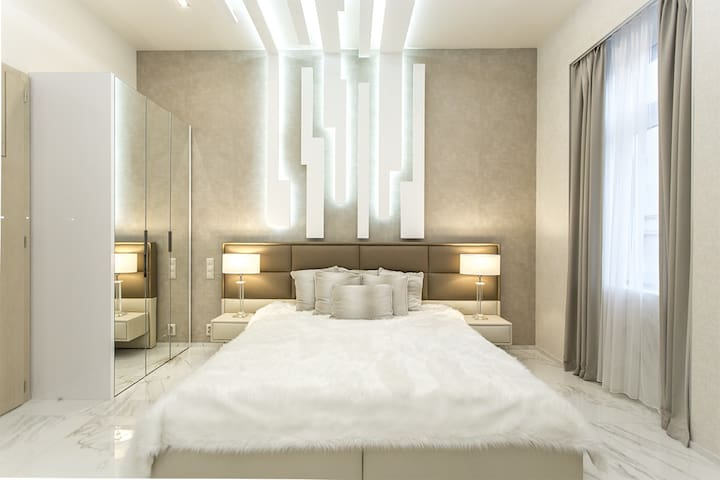Luxury Design Apartment Danube 2 Bedroom& Bathroom