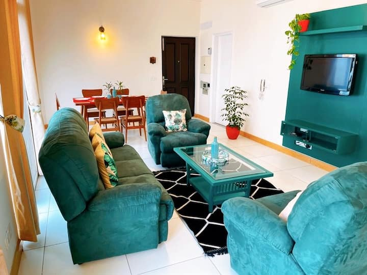 Beautiful 2 Bedroom Apartment on the Golf Course