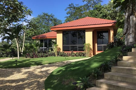 Villa Cayo#4 Affordable Luxury-A/C-Internet-Movies