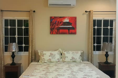 3br 4 bed heart of south apartment - San Fernando - アパート