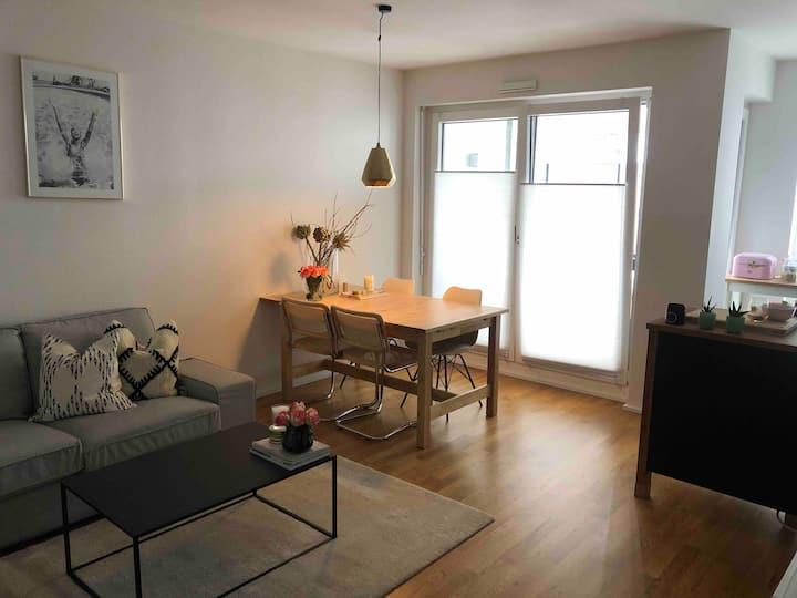 2 Zimmer Wohnung mit Balkon in Medienhafen Nähe