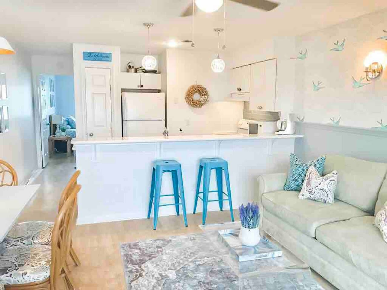 New owners as of 10/2019 but the same beautiful condo and amenities. Let us wow you and give you the best guest experience while being 1/2 a block from the beach!