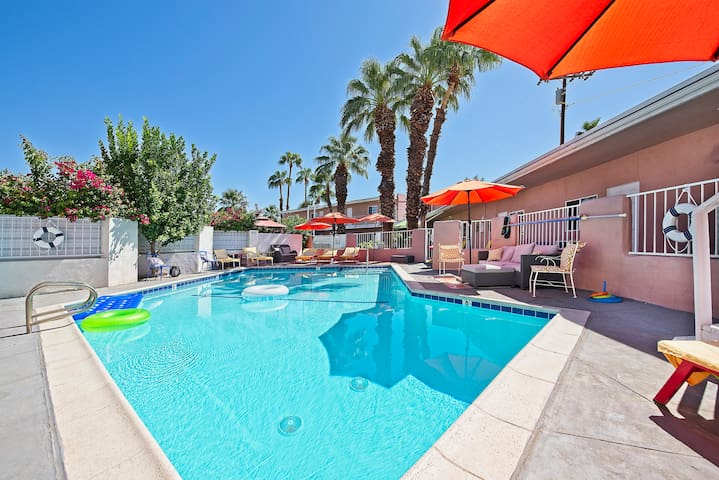 Relaxing Palm Springs Escape