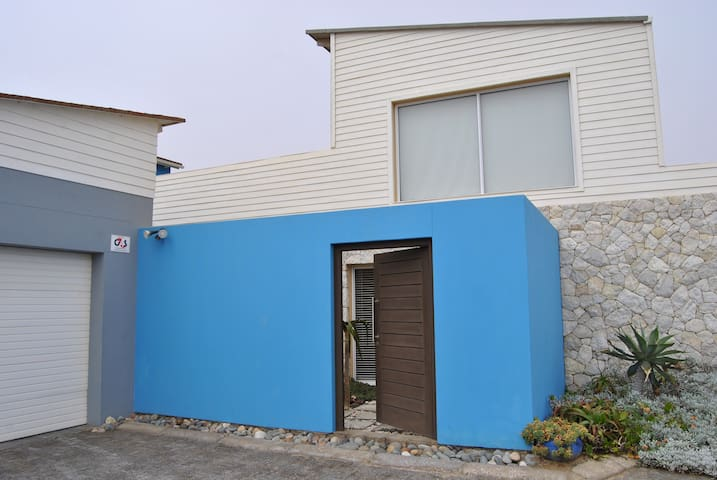 The Blue House - Spacious. Homely. Cosy. Modern.
