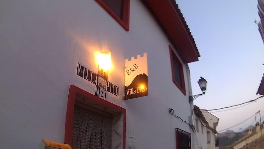 Huur ons hele huis in een Spaans bergdorp.