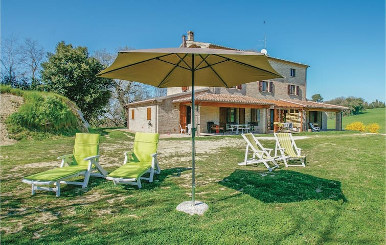 Semi-Detached with 3 bedrooms on 180m² in Pesaro