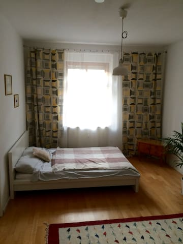 Great bedroom in a central location of Munich! - München - Apartment