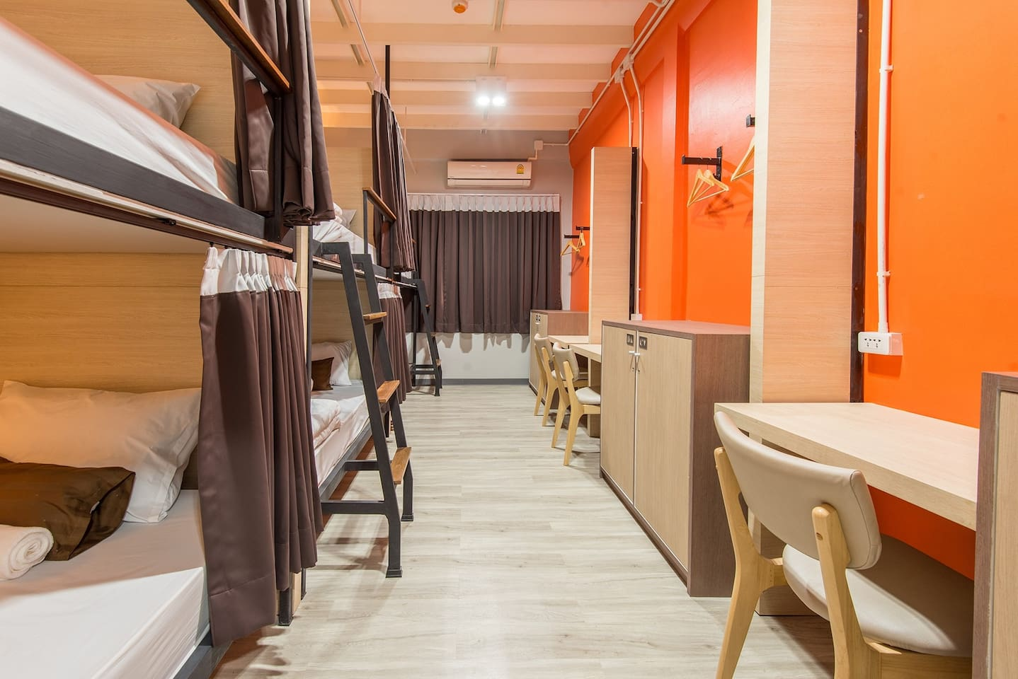 4ft bed Dormitory room with A/C and lockers