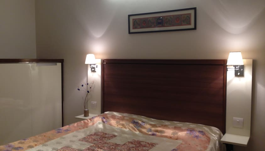 Room in Apartment - Gurgaon - Daire