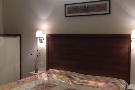 Room in Apartment - Gurgaon