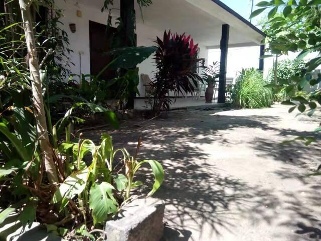 Chambre Akpè - Calme - WIFI & électricité inclus