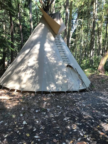 Air Ti 'n'Pi - Primitive Tipi Experience on the OP