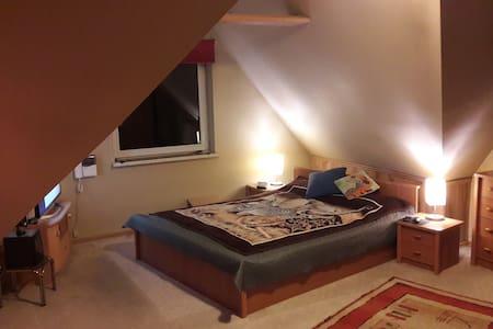 Komfortowy pokój sypialnio-wypoczynkowy - Zabrze