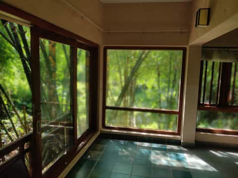 A Sunny Cottage Above The Creek| Wayanad
