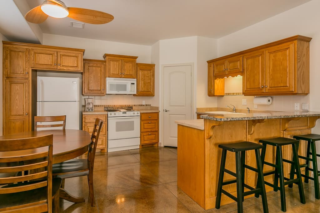 Large Fully Furnished Kitchen