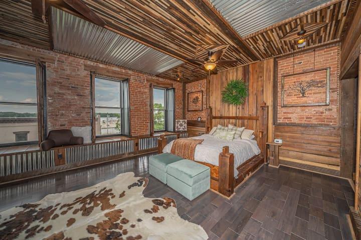 The Woodsman Suite