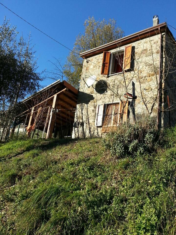 Casa Pietra Molina  di  EQUI TERME Lunigiana