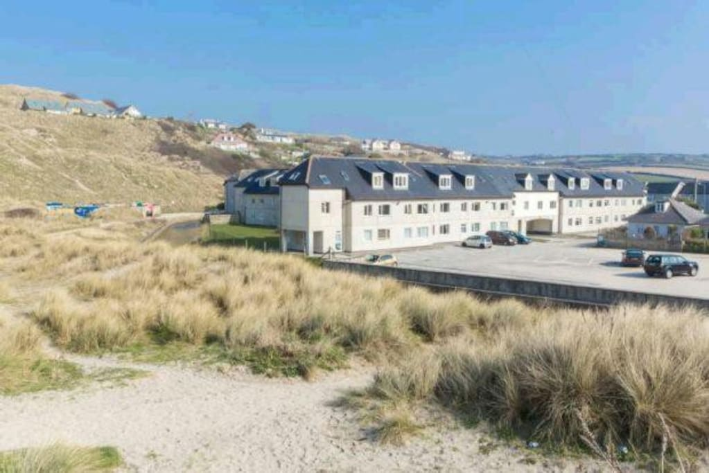 Atlantic Bay Apartments