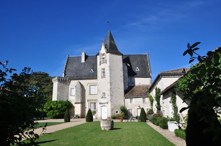 Château de Meux – the castle 'Chesnel' (sleeps 10)