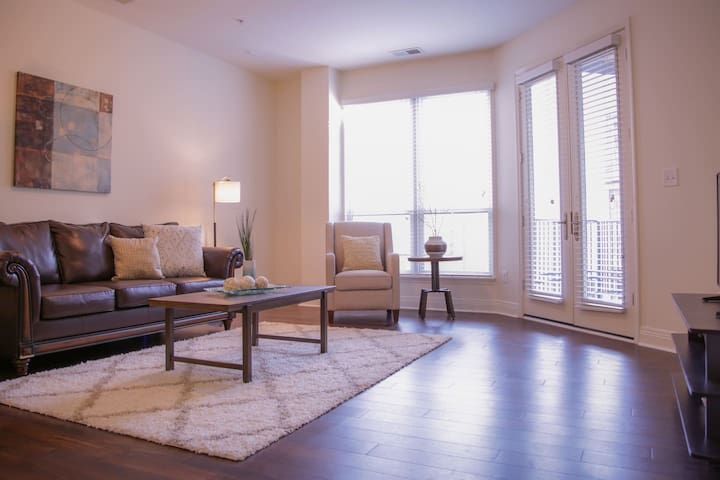 Sophisticated 1br Apt Near Downtown & Mass Ave