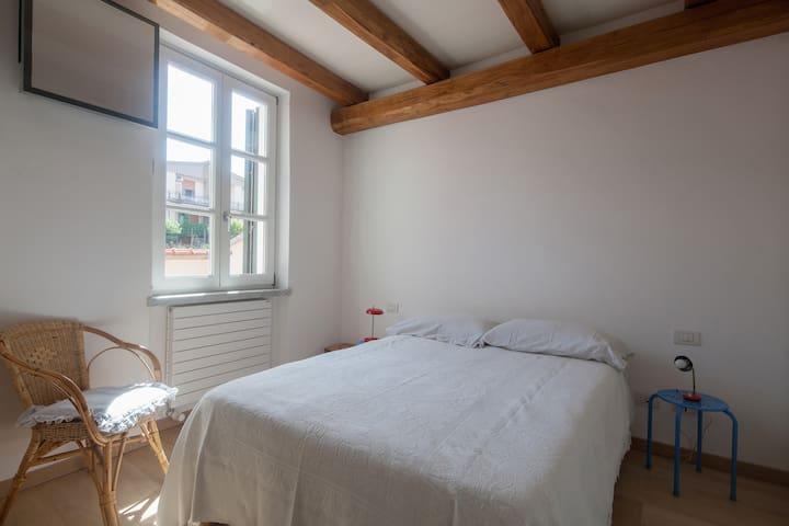 La camera da letto doppia - The double bedroom